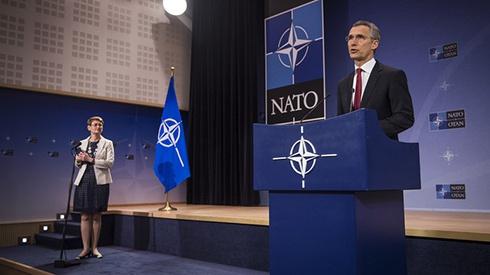 Генсек НАТО: Россия несет особую ответственность за полное осуществление Минских соглашений - фото