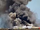 В Индонезии самолет упал на отель, погибли 30 человек