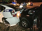 Неадекватный водитель повредил два автомобиля полиции