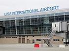 Во Львовском аэропорту служащие «накоректировали» себе часть закупленного топлива