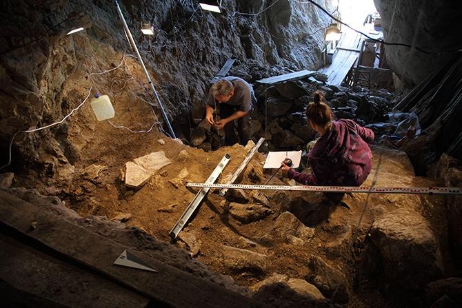 На Алтае обнаружены останки человека, жившего 50 тыс лет назад - фото