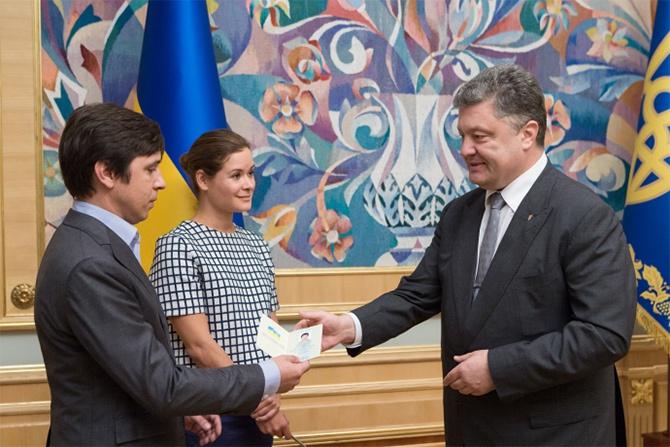 Порошенко дал гражданство Украины россиянам Гайдар и Федорину - фото