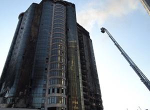 В Одессе горела 24-этажка, пострадали спасатели - фото