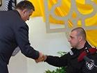 Аваков наградил квартирой беркутовца, который крушил машины на Крепостном переулке