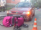 В Виннице женщина-водитель наехала на две коляски с младенцами
