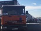 Грузовое сообщение с Крымом официально запретят