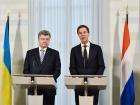 Президент Украины и премьер Нидерландов скоординировали дальнейшие действия в расследовании трагедии рейса MH-17