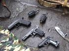 В центре Киева задержали юношу с пистолетами, гранатами