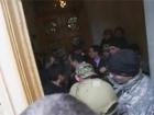 Егор Соболев угрожал применением гранаты в парламенте