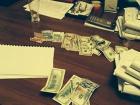 Судьи взяли 6 тыс долларов за восстановление на работе работника прокуратуры