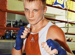 Украинец Ефимович защитил один титул и вернул другой - фото