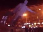 В Днепропетровске повалили памятник палачу Петровскому