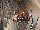 Шестого человека достали из-под завалов дома в центре Киева