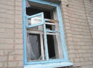Боевики обстреляли дома мирных жителей Авдеевки - фото