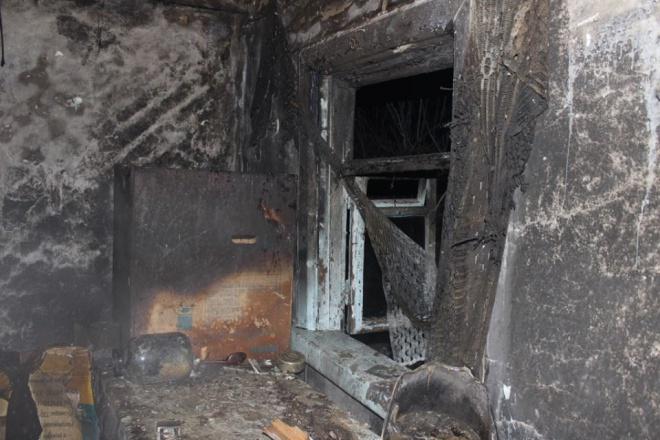 В Олевске сожгли дом депутата облсовета - фото