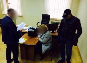 Задержана ректор университета при даче взятки заместителю министра образования - фото
