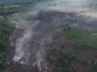 На Львовщине продолжают искать спасателей, которых завалило мусором