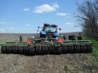 В Донецкой области тракторист подорвался на мине, когда пахал поле