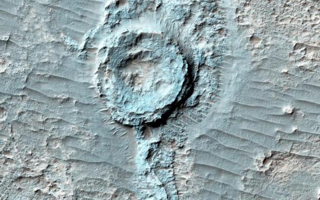 """На Марсе нашли """"перевернутый"""" кратер - фото"""