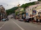 Улицу Сагайдачного сделали пешеходной по выходным и праздникам
