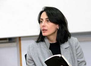 Деканоидзе подала в отставку - фото