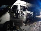 От грузовика отцепился прицеп и протаранил микроавтобус, погибли 5 человек