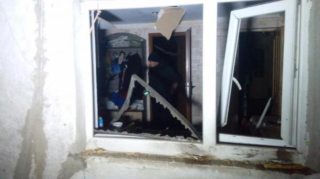 """Жилые дома в поселке под Мариуполем обстреляли из БМ-21 """"Град"""" - фото"""