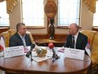 СБУ запретила въезд в Украину пятерым европейским политикам за поездку в Крым
