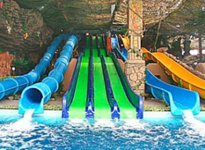 В Харькове в аквапарке дети отравились во время купания - фото