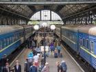 Укрзализныця назначила еще дополнительные поезда на пасхальные праздники