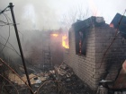 В результате обстрела Марьинки ранен волонтер, повреждены дома