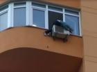 На Оболони пыталась повеситься, а затем выпрыгнуть из 11 этажа уроженка Луганщины