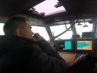 Российский корабль попробовал захватить украинский спасательный катер (видео)