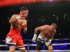 Уорд не дал россиянину в реванше забрать пояса WBO, WBA и IBF