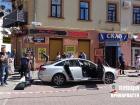 В центре Ивано-Франковска расстреляли авто с предпринимателем