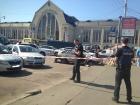 На Вокзальной в Киеве произошла стрельба, ранены трое человек