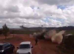 «Запад-2017»: вертолет нанес ракетный удар по зрителям - фото