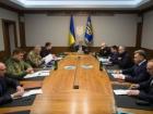 Порошенко созвал Военный кабинет в связи с пересечением границы российскими танками