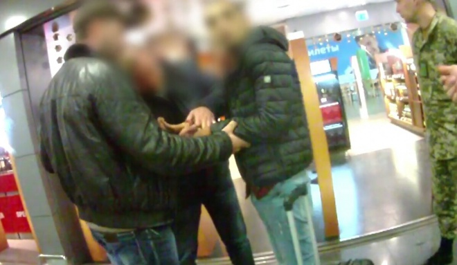 """В """"Борисполе"""" задержали иностранца при попытке переправить украинок в сексуальное рабство - фото"""