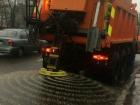 В Киеве уже посыпают дороги солью
