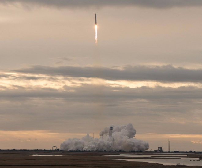 В США запустили космическую ракету, разработанную и украинцами - фото