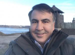 Саакашвили отрицает связь с Курченко - фото