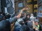 В Нацгвардии заявляют о 60 пострадавших возле Октябрьского дворца