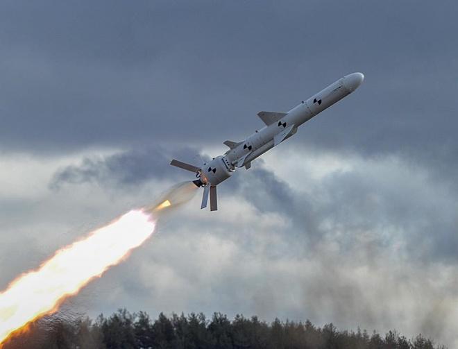 Успешно испытана первая украинская крылатая ракета - фото