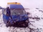 Под Киевом микроавтобус с детьми столкнулся с другим авто, есть погибшие