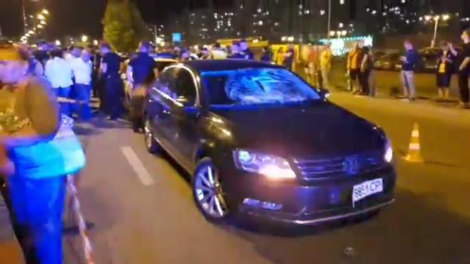 На Позняках полицейское авто сбило ребенка - фото