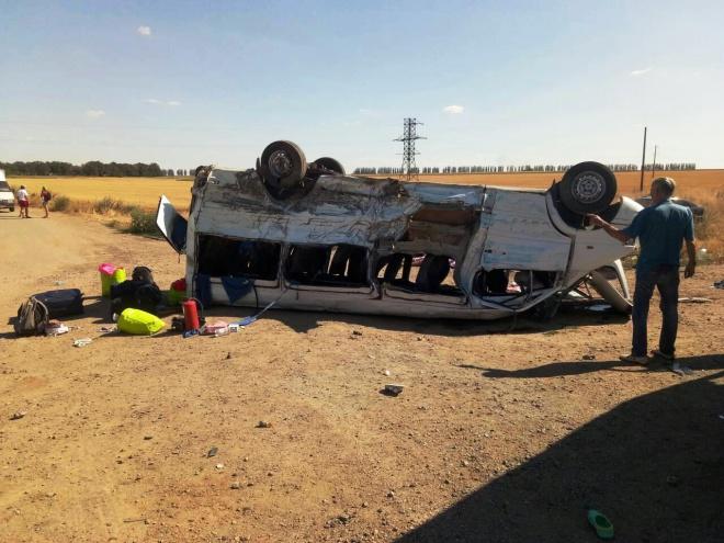 Под Запорожьем грузовик врезался в маршрутку: 6 погибших - фото