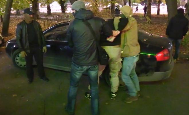 СБУ задержала злоумышленников, которые с помощью выстрелов из гранатометов и поджогов запугивали бизнесменов - фото