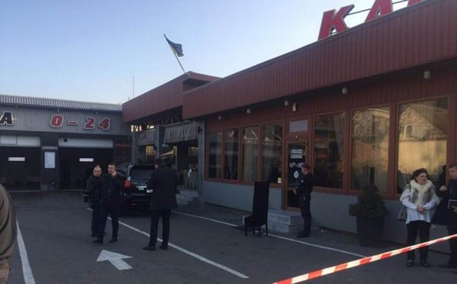 В Луцке произошла стрельба на автомойке, погиб человек - фото