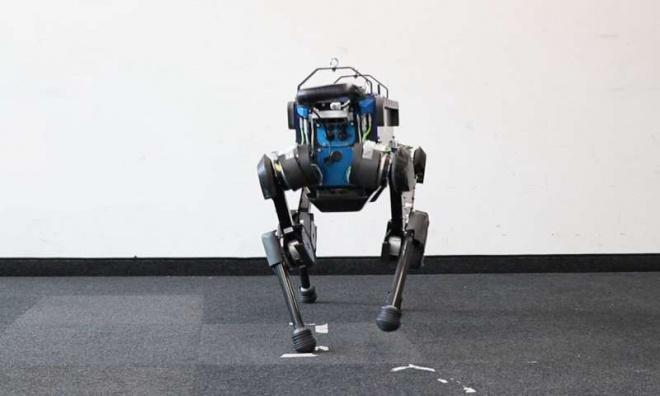 Благодаря машинному обучению, собакообразный робот стал более гибким и быстрым - фото